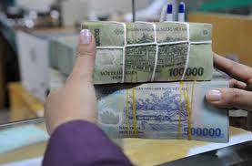 đánh thuế lãi tiền gửi ngân hàng