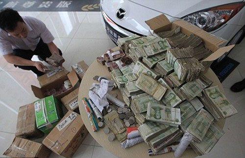tiền lẻ mua ô tô