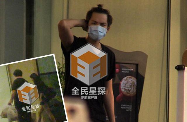 Hình ảnh Chung Hán Lương và Tạ Dịch Hoa tại khách sạn đã được ghi lại. (Ảnh: QQ)