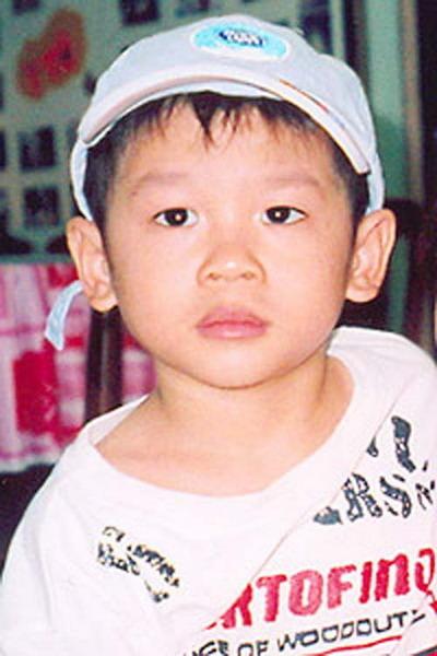 Pax Thiên: Từ em bé bất hạnh đến con của siêu sao số một thế giới - Ảnh 1.