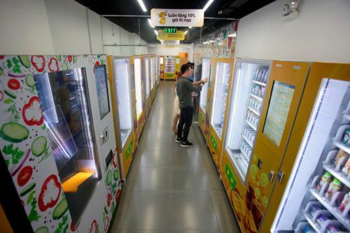 Cửa hàng tự động không người bán tại TP HCM. Ảnh: NLĐ