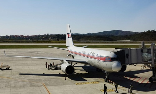 Máy bay của hãng hàng không Air Koryo, Triều Tiên. Ảnh: AP.