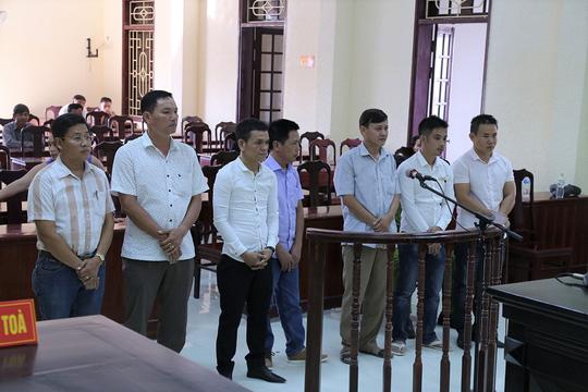 Đánh bạc trong giờ hành chính, Bí thư Đảng ủy phường bị cách chức - Ảnh 1.