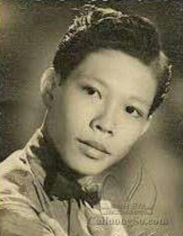 81 tuổi, danh ca Minh Cảnh về nước làm liveshow cùng học trò - Ảnh 2.