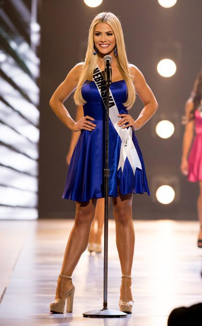 Ứng xử khéo, cô gái cao 1,65 m thành Hoa hậu Mỹ - Ảnh 3.