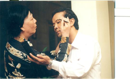 81 tuổi, danh ca Minh Cảnh về nước làm liveshow cùng học trò - Ảnh 1.