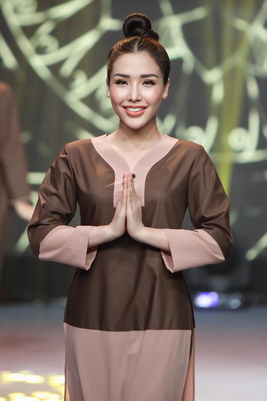 Lạ mắt, tinh tế thời trang Phật tử - Ảnh 4.
