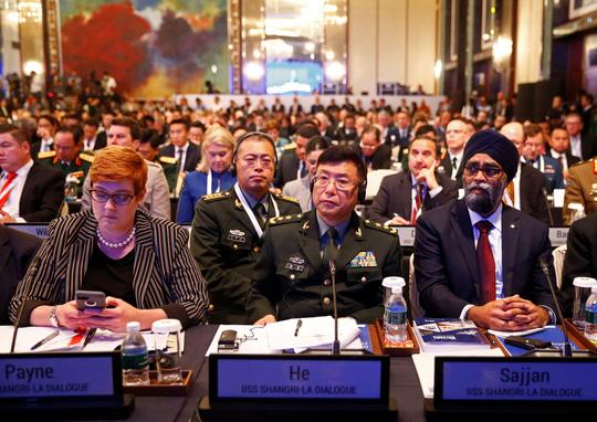 Đối thoại Shangri-La 2018: Mỹ chỉ trích Trung Quốc về biển Đông - Ảnh 3.