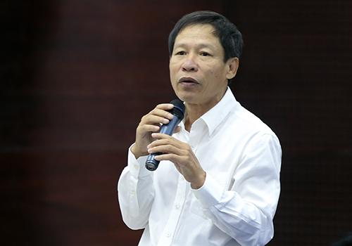 Ông Nguyễn Văn Chiến cho biết việc chậm cấp nhà chung cư cho người tài là thành phố đã vi phạm hợp đồng trước. Ảnh: Nguyễn Đông.