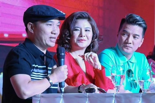 Từ trái qua: Quang Linh, Kim Oanh, Đàm Vĩnh Hưng làm giám khảo Gương mặt thân quen 2018.