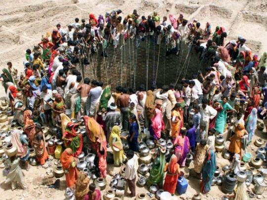 Thấy gì từ bức ảnh đáng sợ ở Ấn Độ? - Ảnh 1.