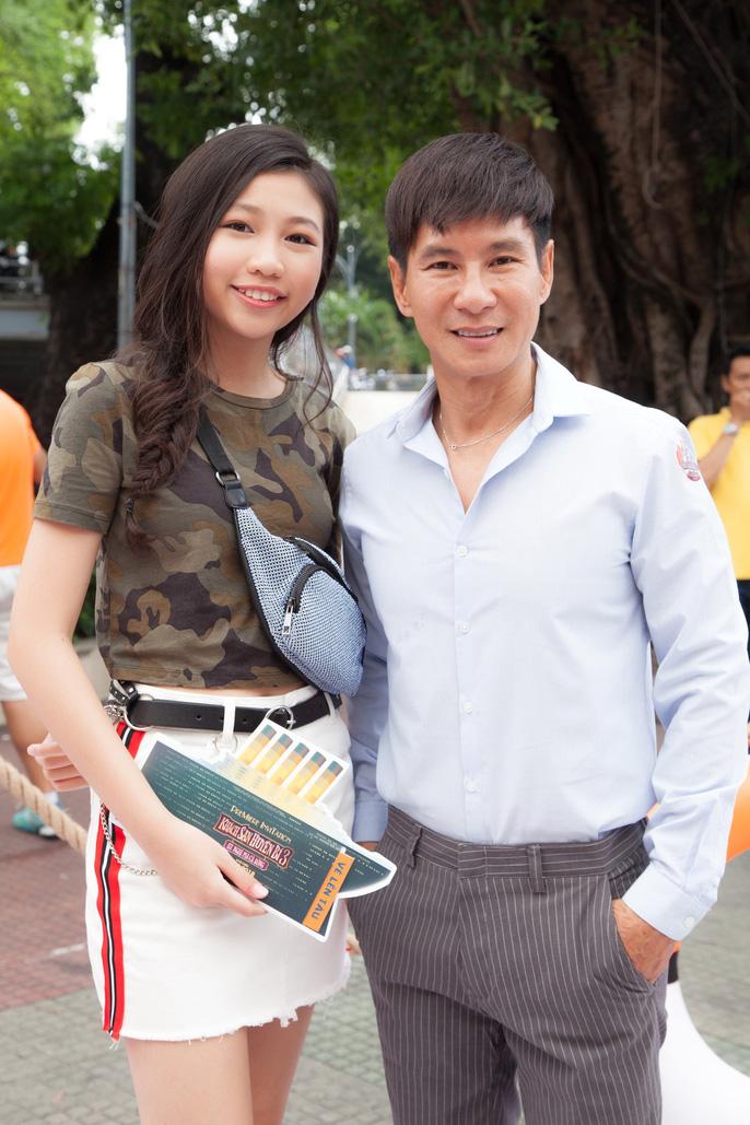 Tranh cãi vụ Hoa hậu Hoàn vũ nhí 2018 Ngọc Lan Vy tất bật với showbiz - Ảnh 3.