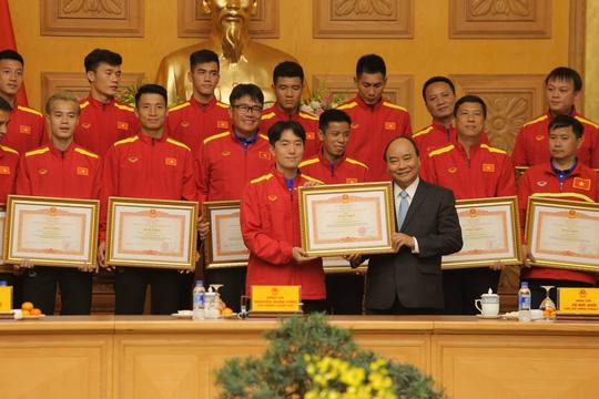 Thủ tướng Nguyễn Xuân Phúc: Lãnh đạo VFF phải liêm chính trong công việc - Ảnh 2.
