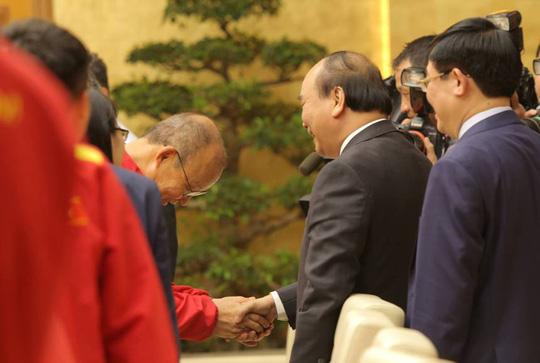 Thủ tướng Nguyễn Xuân Phúc: Lãnh đạo VFF phải liêm chính trong công việc - Ảnh 1.