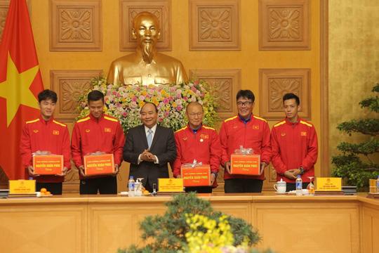 Thủ tướng Nguyễn Xuân Phúc: Lãnh đạo VFF phải liêm chính trong công việc - Ảnh 3.