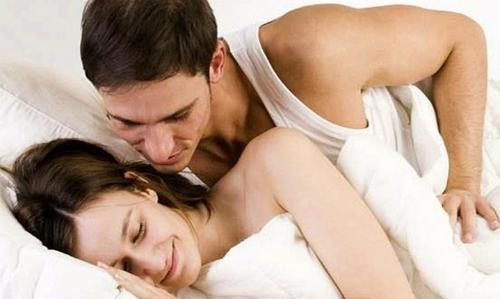 Chồng khổ sở vì vợ thủy chung