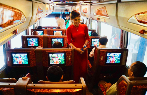 Thiết kế bên trong xe buýt tuyến sân bay Tân Sơn Nhất - Bến xe Vũng Tàu. Ảnh: Hữu Công