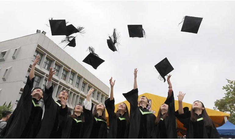 Phía Mỹ vẫn nhận định 99,9% sinh viên TQ tới Mỹ học đàng hoàng, nghiên cứu tốt và có ích cho kinh tế toàn cầu. Ảnh: SCMP