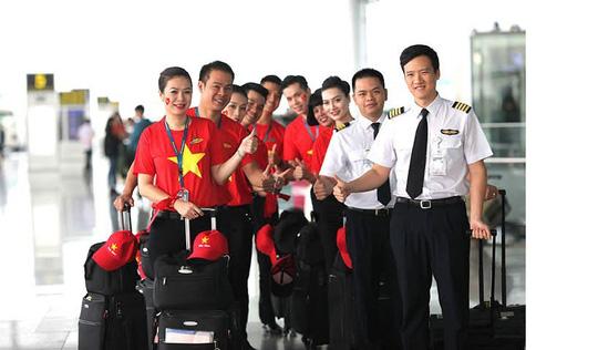 Bật mí những chuyến bay như chuyên cơ đưa tuyển Việt Nam du đấu - Ảnh 2.