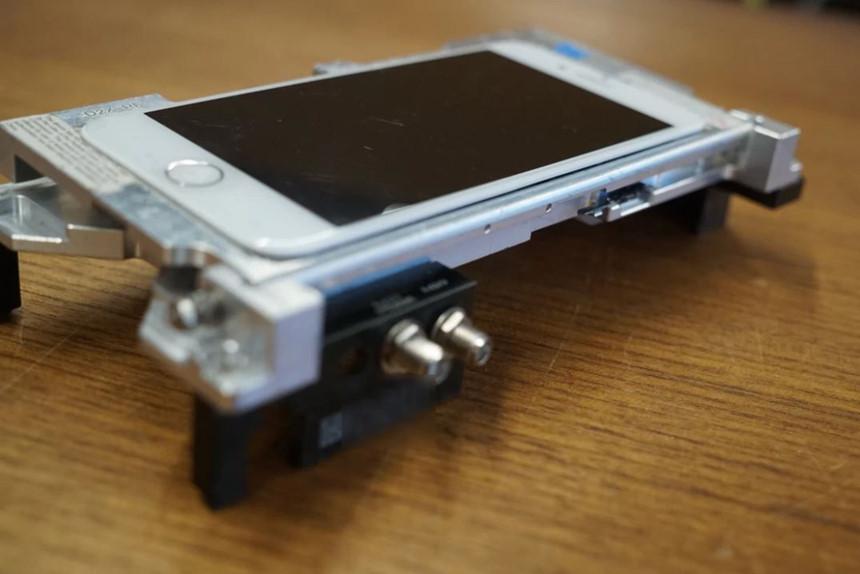 Day la loai iPhone kho mua va duoc hacker them khat nhat hinh anh 1