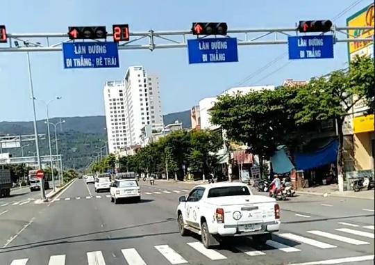Đoàn xe vượt đèn đỏ ở Đà Nẵng là xe Công ty CP Tập đoàn Trung Nguyên - Ảnh 2.