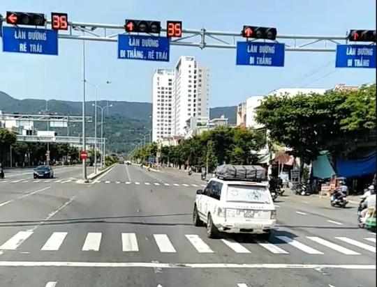 Đoàn xe vượt đèn đỏ ở Đà Nẵng là xe Công ty CP Tập đoàn Trung Nguyên - Ảnh 1.