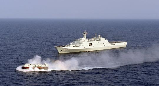 """""""Cảm tử quân"""" Philippines ra trận nếu Trung Quốc vượt lằn ranh đỏ ở biển Đông - Ảnh 1."""