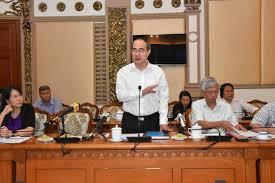 Lãnh đạo TP HCM nghe doanh nghiệp hiến kế xử lý bãi chôn rác - Ảnh 1.