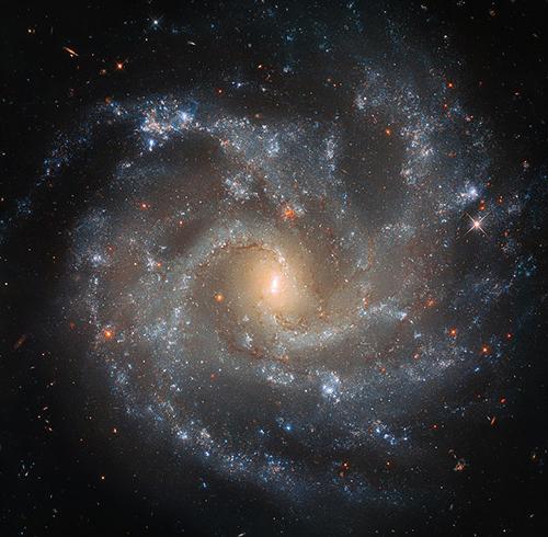 Ảnh thiên hà NGC 5468 chụp bởikính viễn vọng Hubble. Ảnh: NASA.