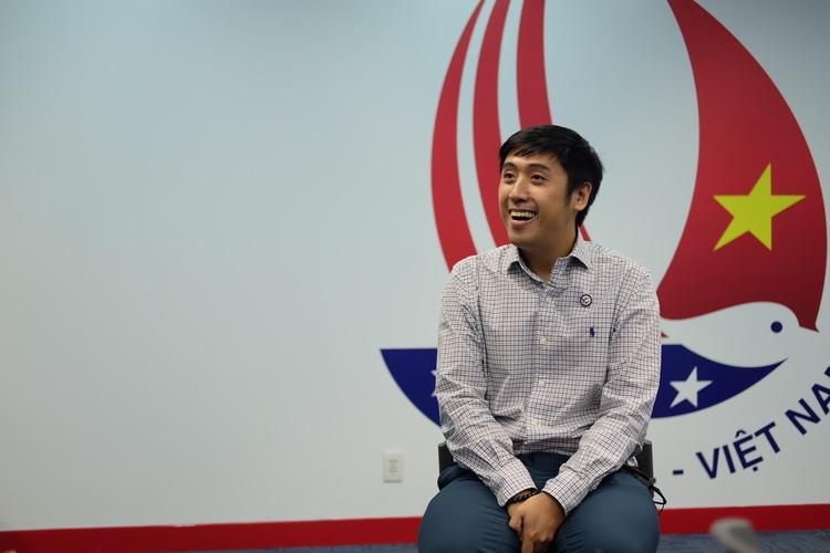 Nhà làm phim Andy Nguyễn trong sự kiện của Tổng Lãnh sự quán Mỹ tại TP HCM tối 15/1. Ảnh: Nhật Duy.