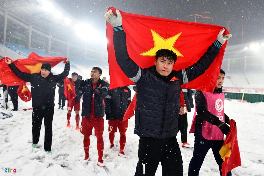 Tien Dung, Hoang Thi Loan va thoi dai cua cac KOL bong da hinh anh 2 Tien_Dung_vs_Hoang_Thi_Loan_2_zing.jpg