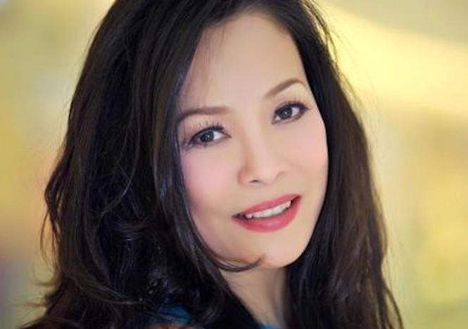 Ca sĩ Hồng Hạnh nói gì khi được coi là 'bóng hồng' của nhạc sĩ Trịnh Công Sơn? - ảnh 2