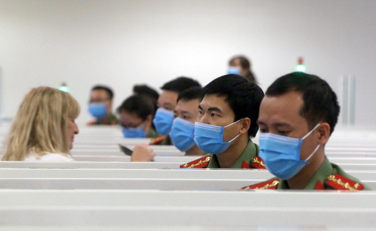 Việt Nam dừng nhập cảnh với người nước ngoài