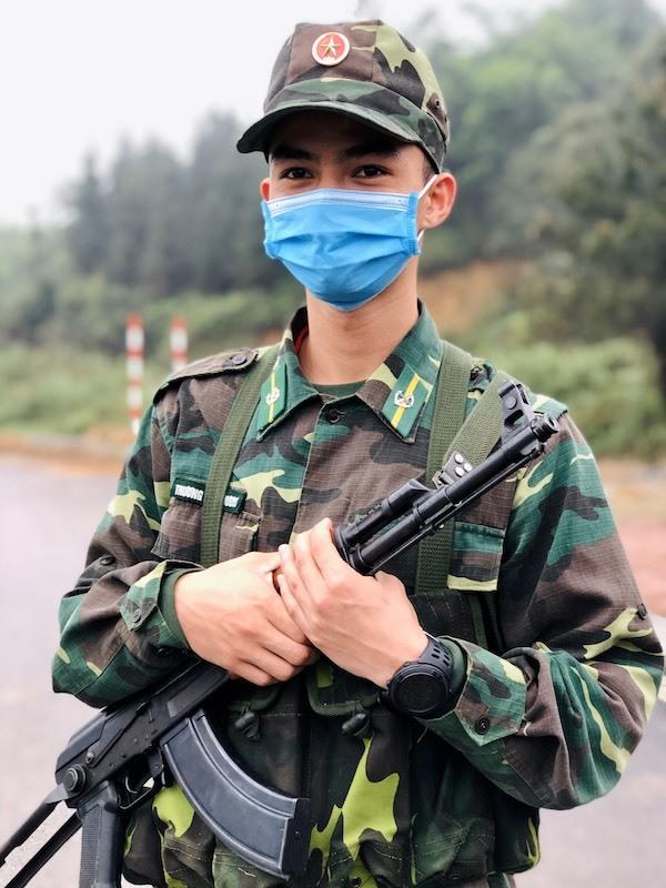 Trương Trùng Dương (Quảng Trị), khoa Phòng chống ma tuý và tội phạm Học viện Biên phòng đang làm nhiệm vụ chống Covid-19 tại Quảng Ninh. Ảnh: HT