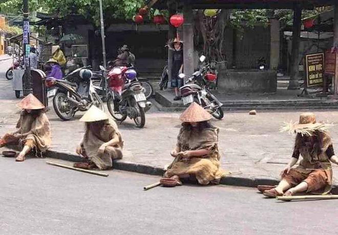 Nhom nguoi gia an xin tai pho co Hoi An len tieng xin loi hinh anh 2 giaanxin.jpg