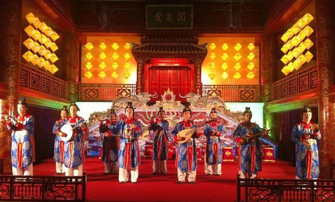 Nhà nghiên cứu Bùi Trọng Hiền mổ xẻ phim Trung Quốc bị tố dùng nhã nhạc Huế - ảnh 2