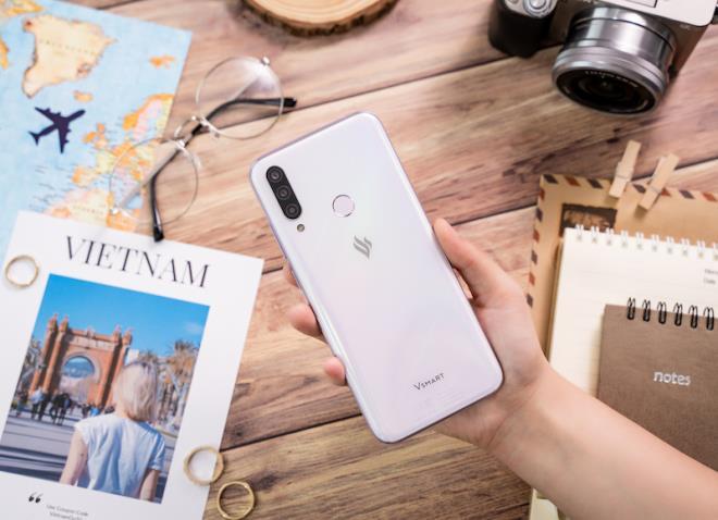 Cộng đồng Quốc tế hào hứng với điện thoại Vsmart Aris 5G 'Make in Vietnam' - 2