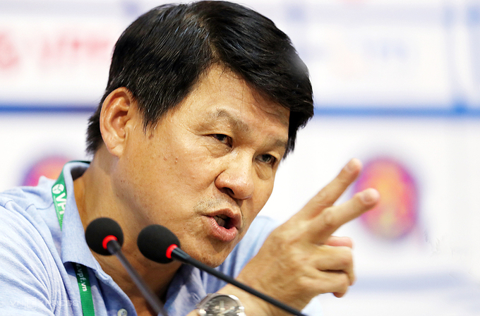 HLV Vũ Tiến Thành cho rằng nhiều học trò của ông xứng đáng lên tuyển Việt Nam. Ảnh: Đức Đồng.