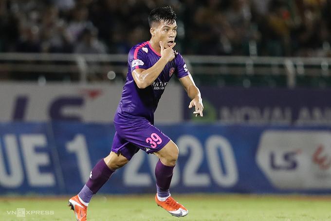 Tân binh Tấn Tài được HLV Vũ Tiến Thành đánh giá cao trong màu áo Sài Gòn FC. Ảnh: Đức Đồng.