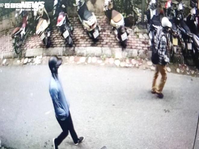 Chân dung 2 kẻ nổ súng cướp ngân hàng BIDV ở Hà Nội - 1