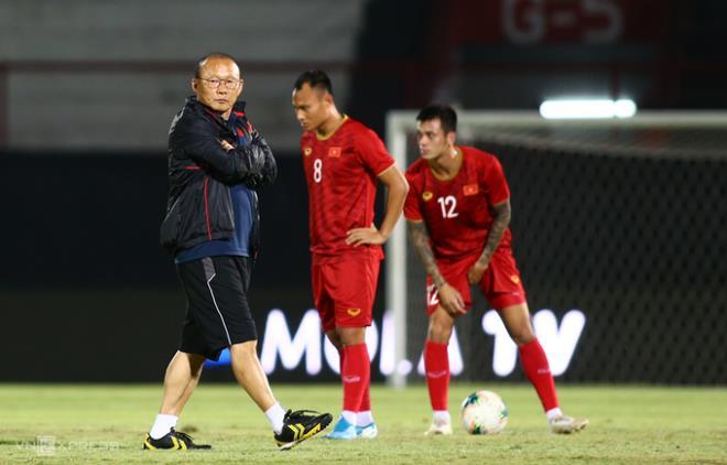 VFF tính huỷ tập trung đội tuyển Việt Nam - 1