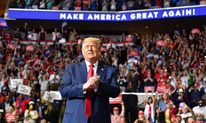 Tổng thống Trump tại cuộc vận động tranh cử trực tiếp ở Oklahoma, ngày 20/6. Ảnh: Reuters.