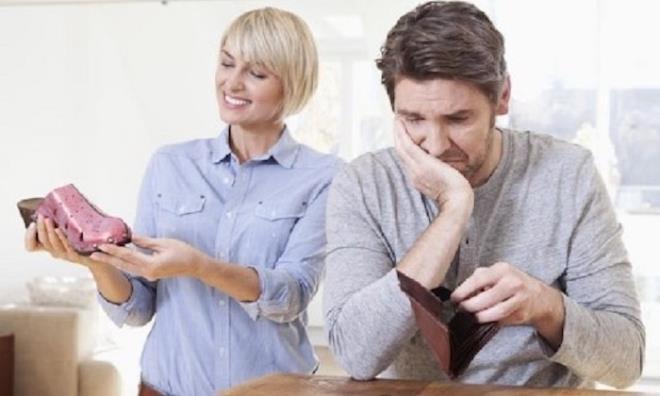 Đàn ông có vợ mỗi tháng tiêu bao nhiêu tiền? - 1