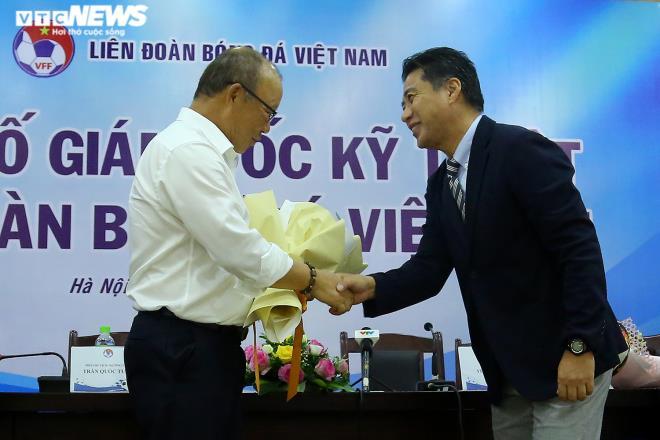 Giám đốc kỹ thuật VFF: Hài lòng được làm việc cùng Park Hang Seo, Troussier - 1