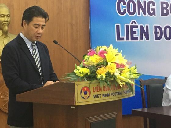 Ông thầy của các HLV bóng đá ra mắt tại Việt Nam  ảnh 1