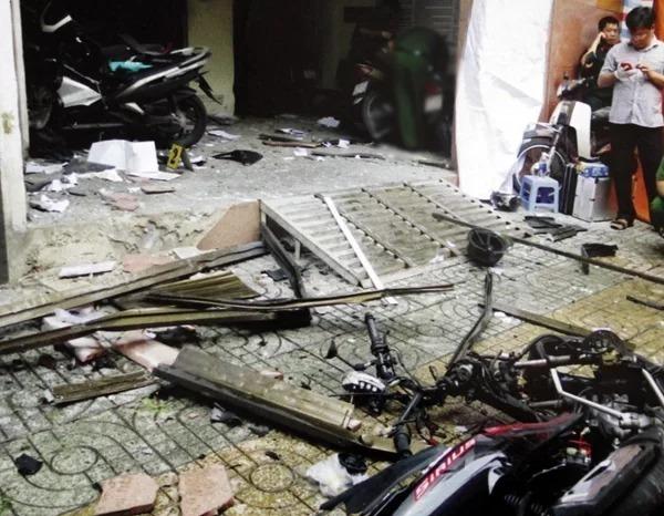 Trụ sở Công an phường 12 quận Tân Bình sau vụ nổ hôm 20/6/2018. Ảnh: Công an cung cấp.