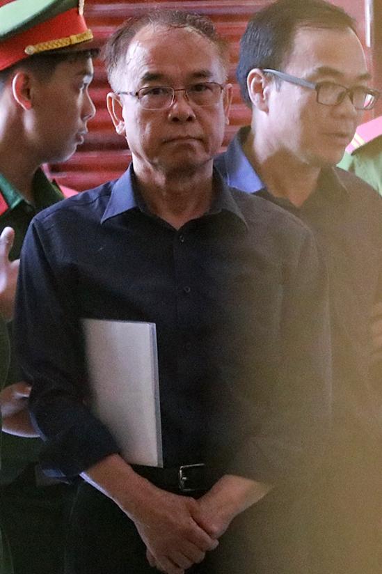 Ông Nguyễn Thành Tài đến tòa chiều 16/9. Ảnh: Hữu Khoa.