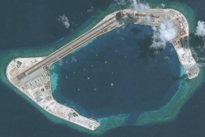 Đá Subi của Việt Nam bị Trung Quốc bồi đắp thành đảo nhân tạo. Ảnh: DigitalGlobe.