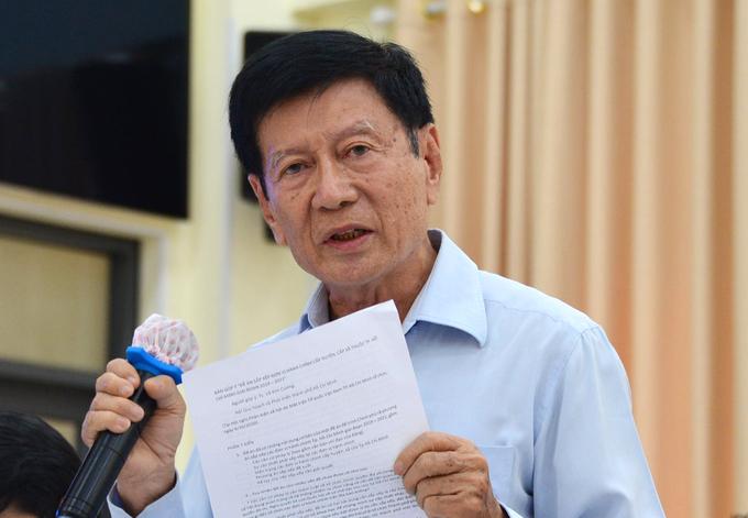 TS Võ Kim Cương, nguyên Phó KTS trưởng TP HCM phát biểu góp ý Đề án sắp xếp lại các đơn vị hành chính ở TP HCM, ngày 6/10. Ảnh: Hữu Công.