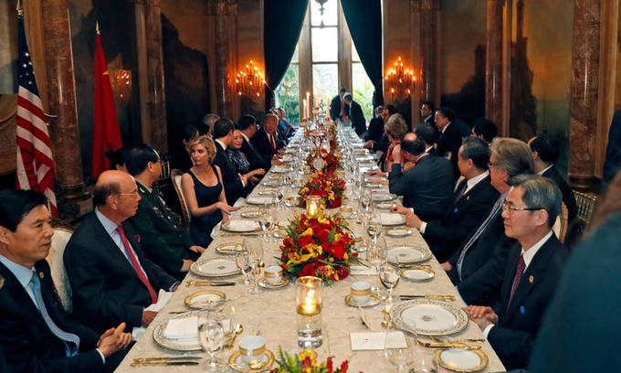 Cuộc gặp giữa Tổng thống Trump và Chủ tịch Tập tại Mar-a-Lago hồi tháng 4/2017. Ảnh: AP.